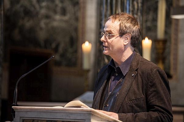 Beim Vortragen auf der Kanzel der Friedenskirche - Foto: © by Günter Krawutschke