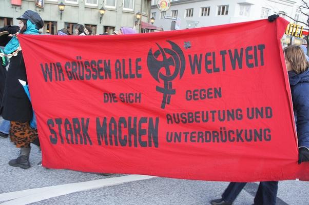 SCHATTENBLICK - BERICHT/119: Frauenstreik - der gleiche